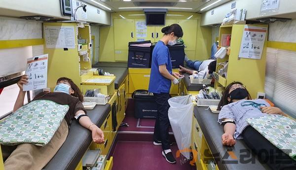 헌혈, 이웃사랑 몸소 실천1.jpg
