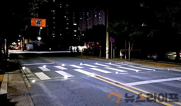 활주로형 횡단보도' 구축_화원읍 구라리 진천보도교 앞.jpg