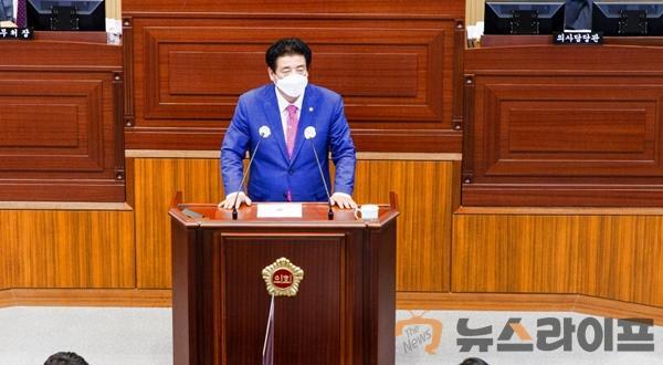 박창석의원도정질문사진1.jpg